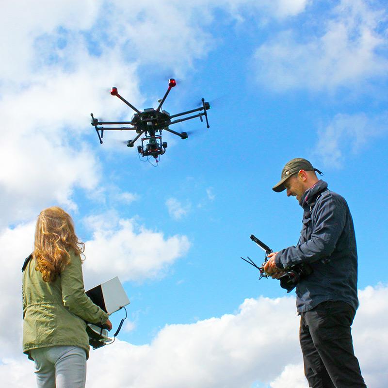 Drohne mieten Matrice 600 mit Sony-alpha-7R heysky-rent