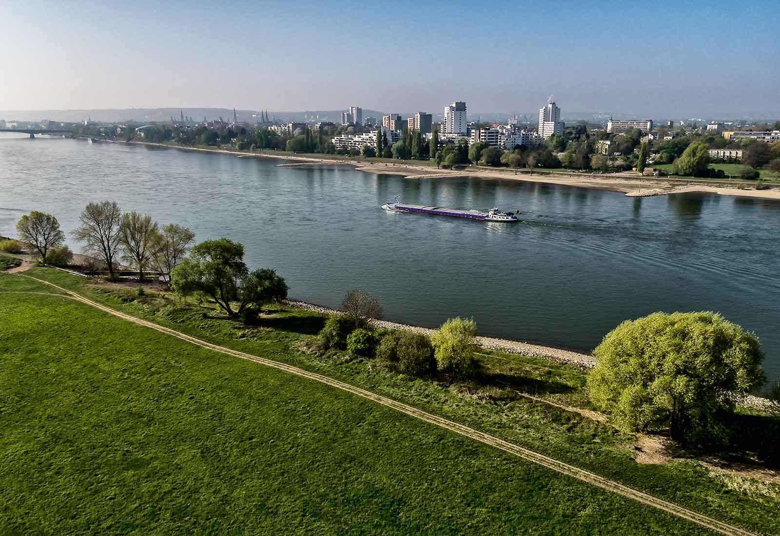 heysky Drohnenfotografie Rhein bei Bonn
